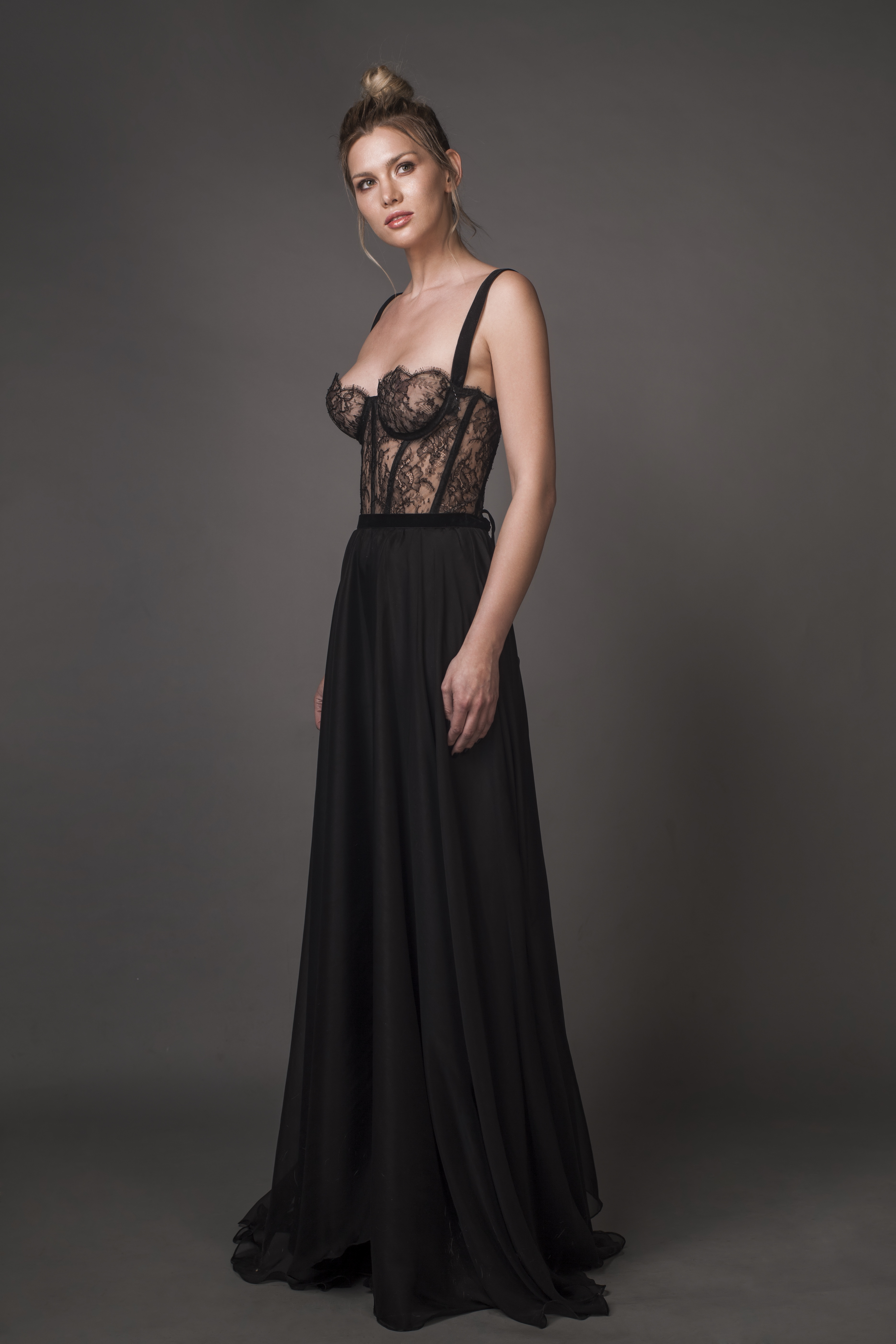 b1637ea2f08 BUSTIER GOWN WITH CHANTILLY LACE - Aureliana Shop